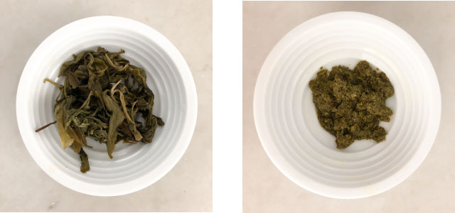 Wet loose leaf tea compared with wet contents of a teabag