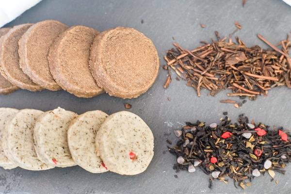 Shortbread tea cookies and tea